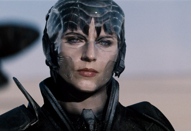 Antje-Traue-in-Man-of-Steel